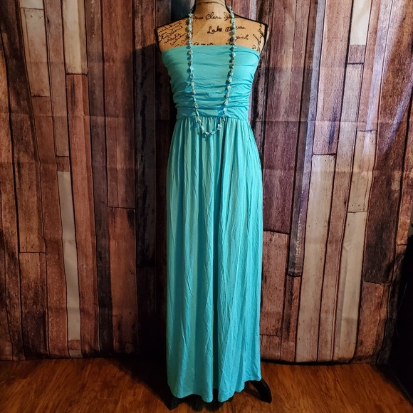 Rags and Couture Dresses & Skirts - Rags and Couture 1X strapless Maxi dress w/pockets